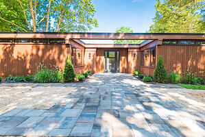 House flipping in NY continues throughout its suburban and surrounding areas as new investment opportunities emerge.