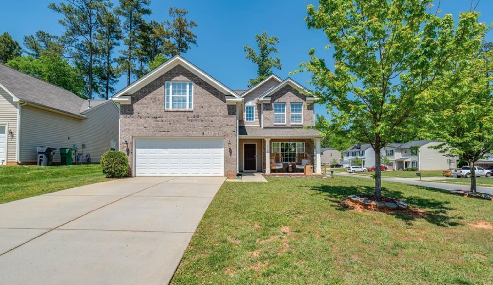 Charlotte, NC real estate investing is buzzing! This month's featured project in the Tar Heel State is currently open for investment with Fund That Flip.